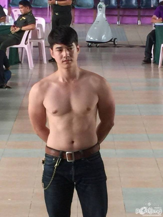Sexy topless mario maurer picture