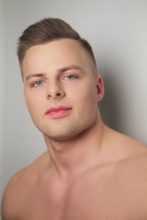 JĀNIS ŠNEIDERS Vecums - 22 g.; Augums - 182 cm