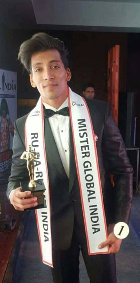 Prateek Baid after winning the Rubaru Mister India 2016 pageant.