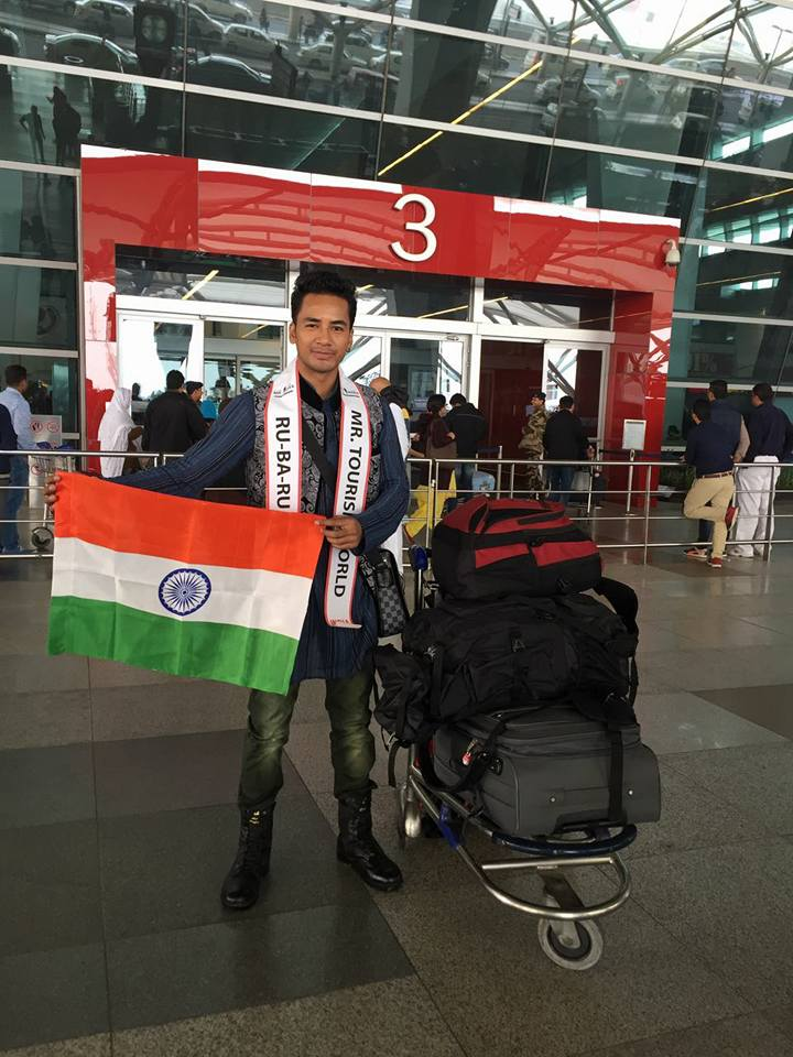 Sanju Ray at the Indra Gandhi International Airport in New Delhi, all set to leave for Philippines to represent India at Mister Tourism World 2016.