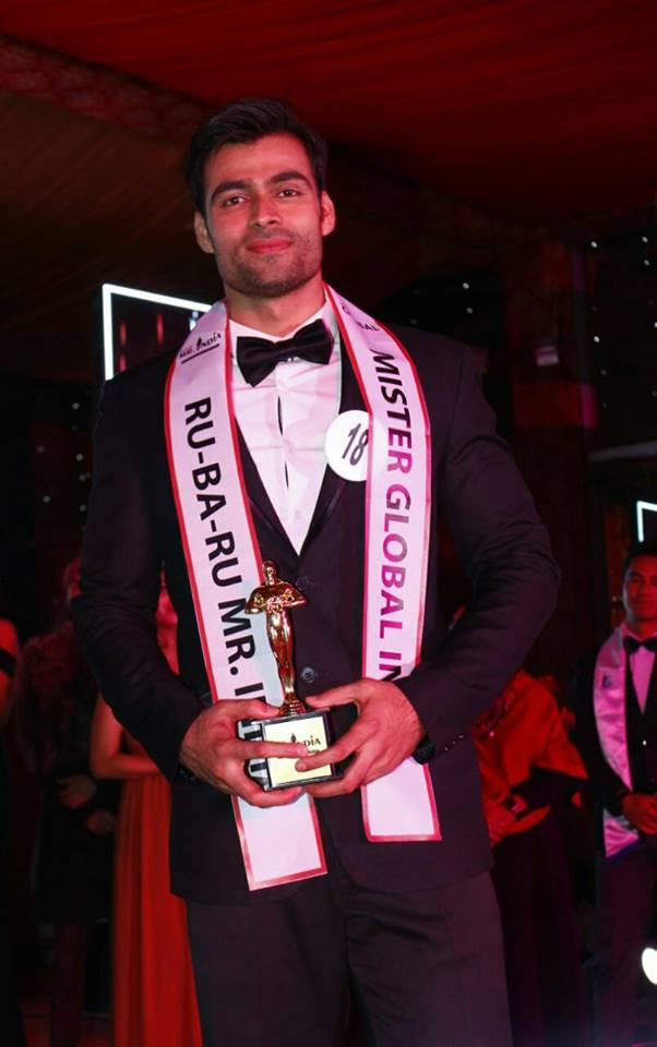 Srikant Dwivedi's winning moment at Rubaru Mr India 2017.
