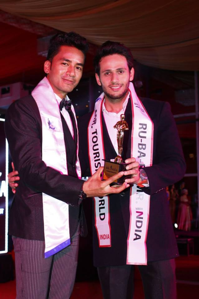 Predecessor with successor. Sanju Ray, Rubaru Mister India Torism World 2016 (left) while passing over his title to his successor, Kunal Arora at the grand finale of Rubaru Mister India 2017 contest.