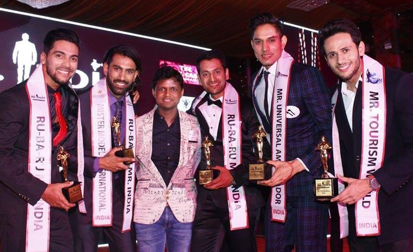 Sandeep Kumar with the winners of Rubaru Mr India 2017 pageant.
