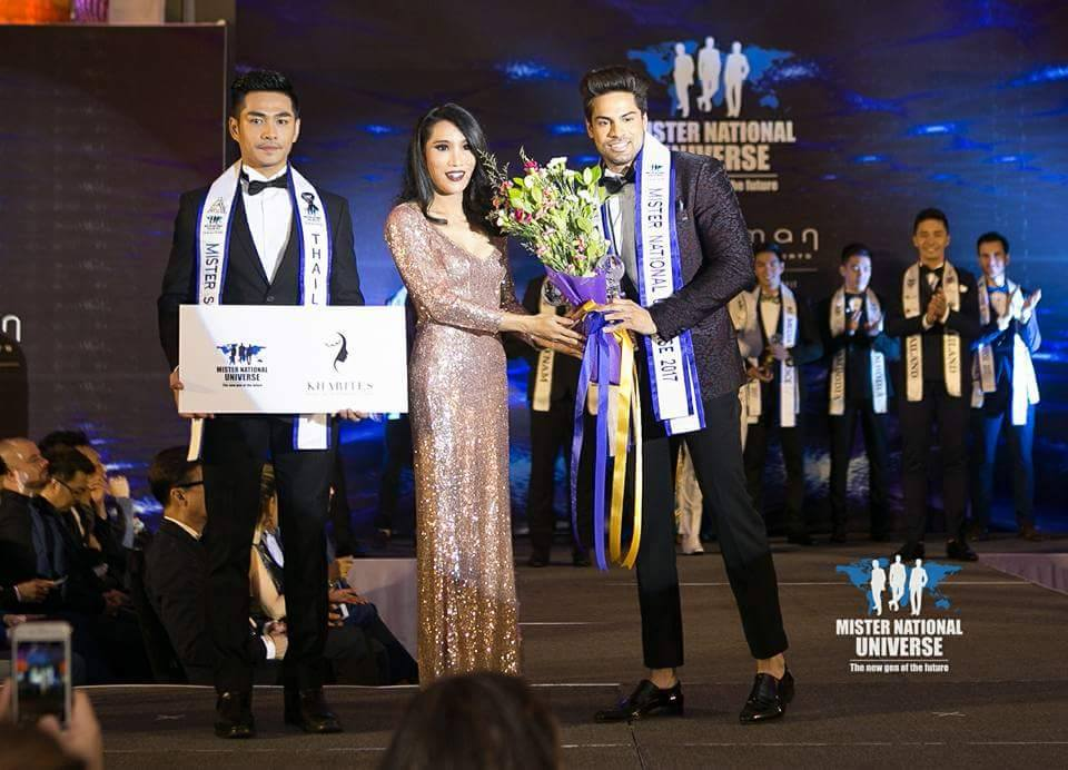 Dr. Pankaj Ahlawat while receiving the People' Choice Award at the grand finale of the contest in Thailand.