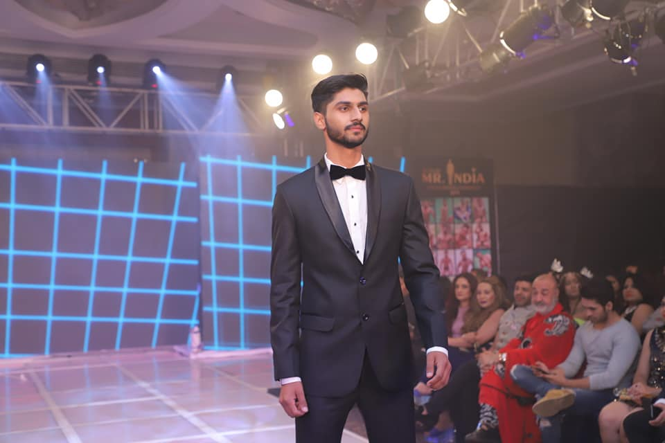 Amandeep Dahiya during formal wear segment of the Rubaru Mr India 2019 pageant.