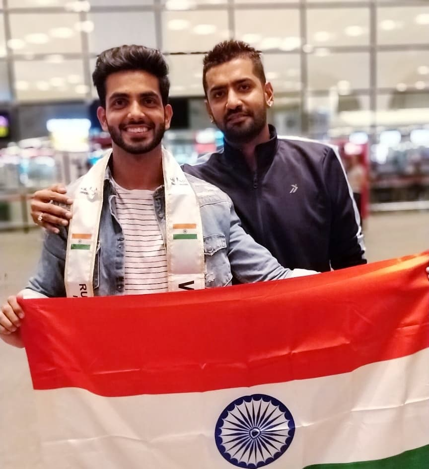 Rubaru Mr India National Universe 2019, Sahil Arora with Rubaru Group's vice president, Pankaj Kharbanda at the airport in Mumbai.