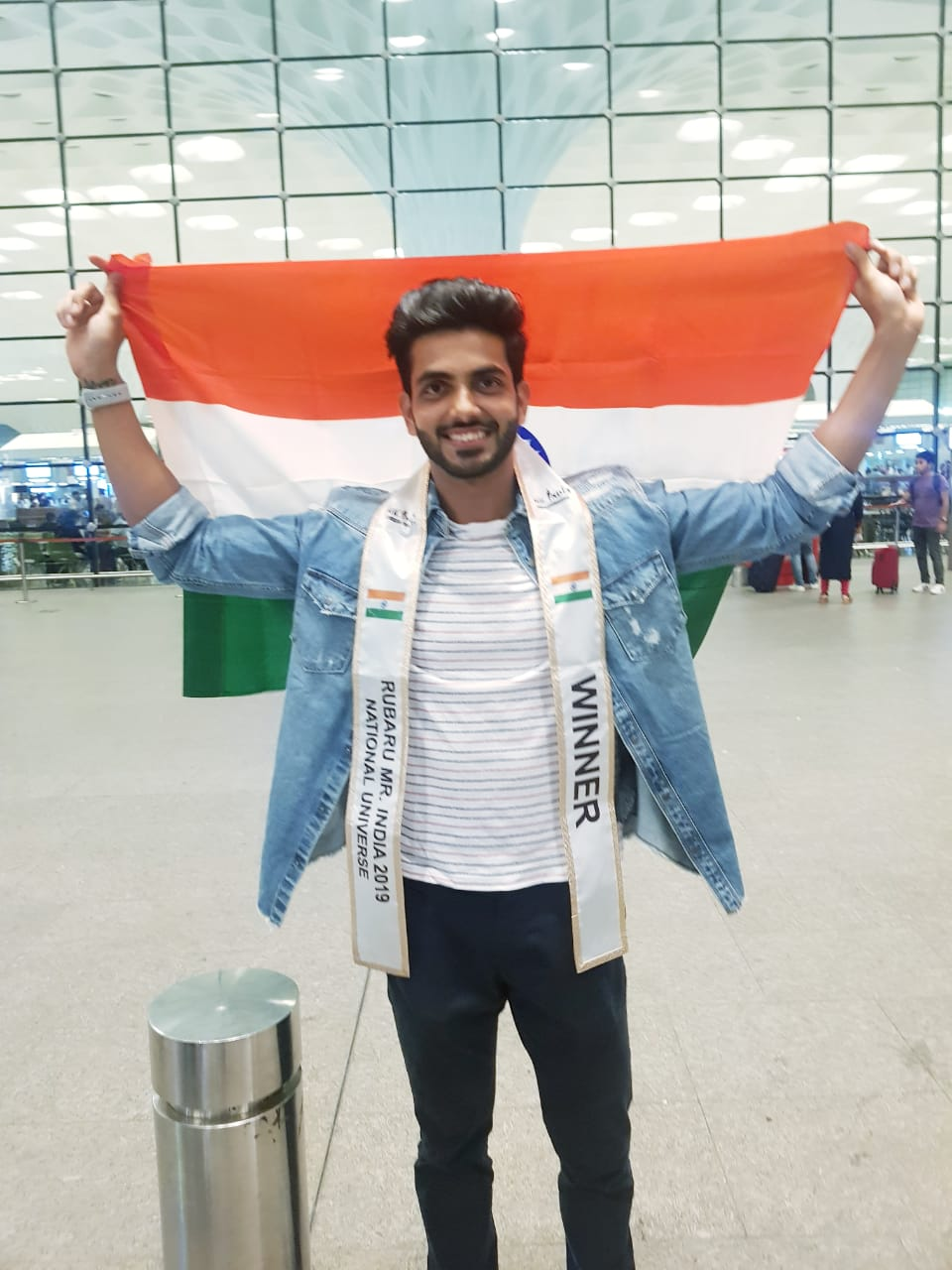 Rubaru Mr India National Universe 2019, Sahil Arora at Chhatrapati Shivaji Maharaj International Airport, Mumbai before leaving for Thailand.