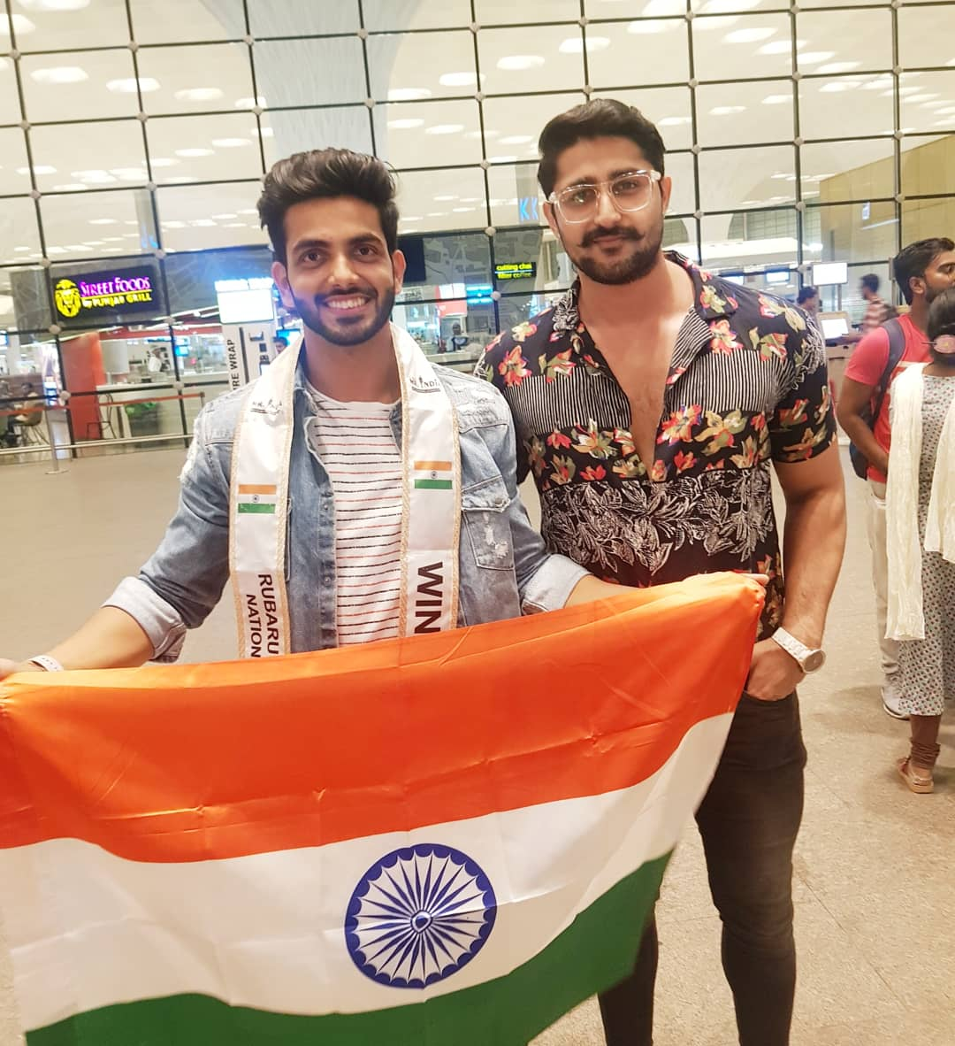 Rubaru Mr India National Universe 2019, Sahil Arora with Rubaru Mr North India 2018, Shubham Chauhan at the airport in Mumbai.