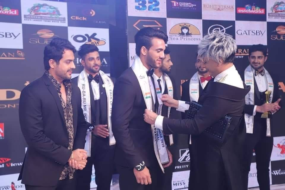 Rishabh's winning moment at Rubaru Mr India 2019 contest.